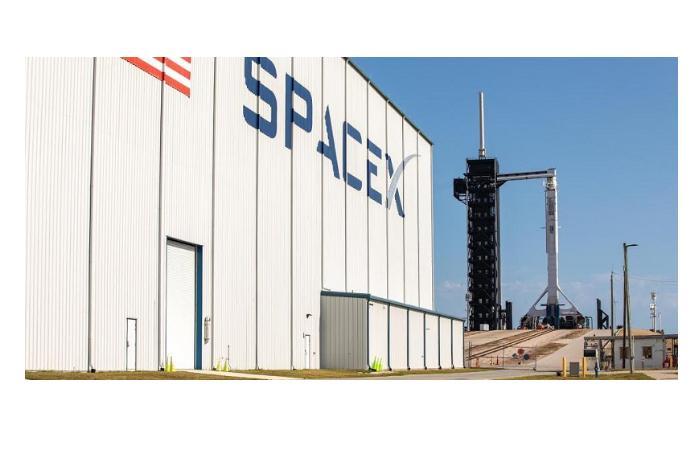 SpaceX в 2021 году может запустить ракету с полностью гражданским экипажем