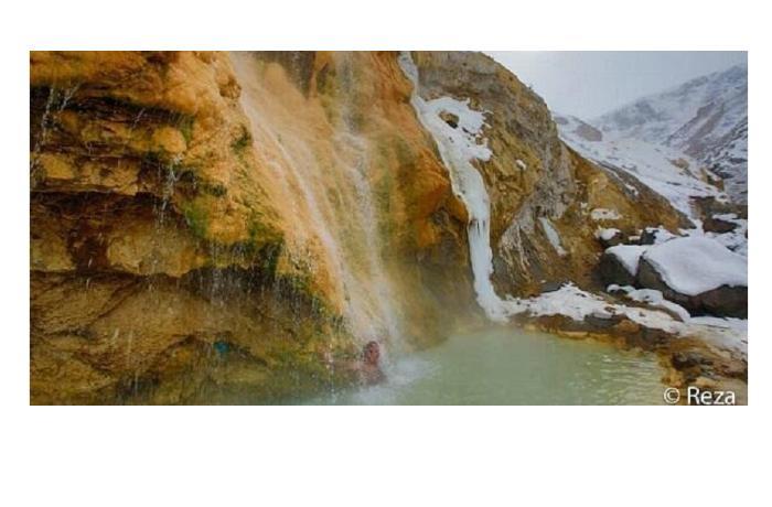 Известный фотограф Реза Дегати снял горячие источники Кяльбаджара