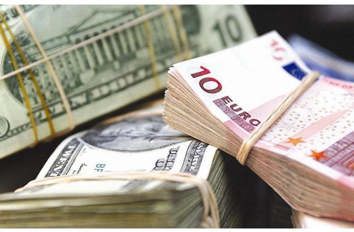 Евро ускорил рост к доллару после выхода статистики из ЕС