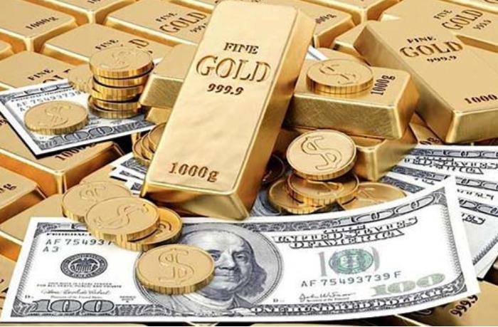 Золото - лучший подарок всех времен: от украшений к монетам и слиткам