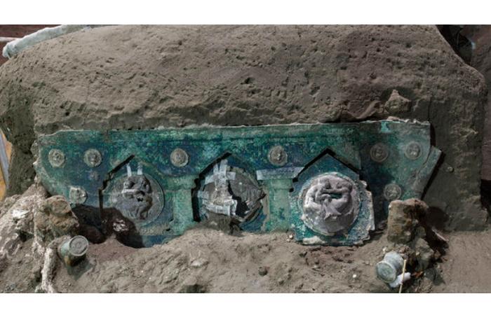 Археологи обнаружили церемониальную колесницу I века нашей эры