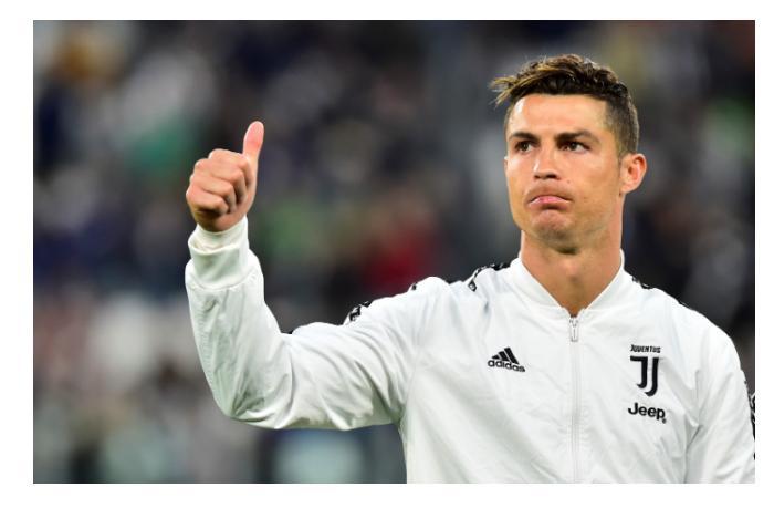 Ronaldo dünya rekordunu təkrarladı