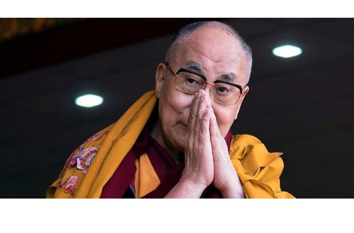 Далай-лама сделал прививку от коронавируса