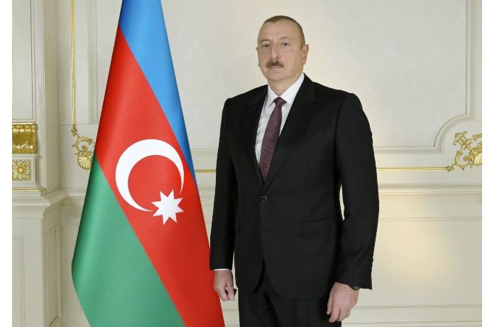 Президент Ильхам Алиев поздравил азербайджанских женщин с 8 Марта