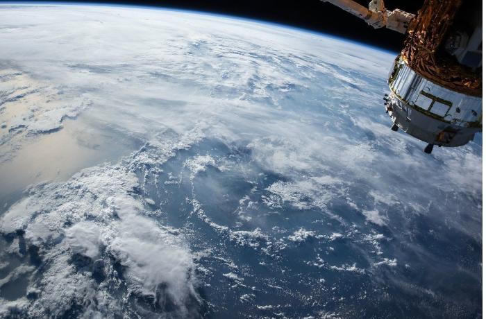 «Стычки» и на Земле, и в космосе. Ракета РФ может столкнуться с американским метеоспутником