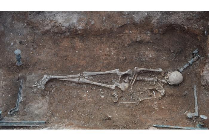 Необычная находка – кровать с останками женщины I века до н.э.