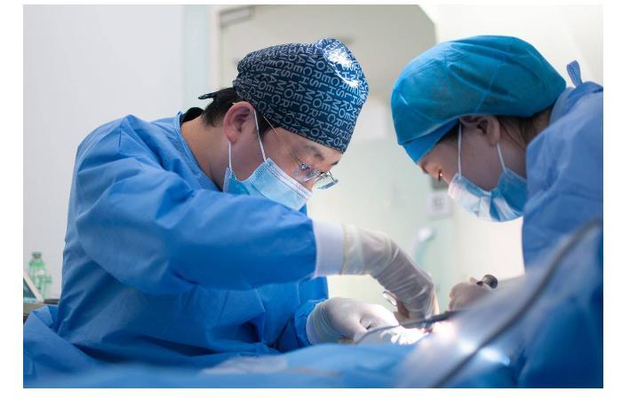 В Японии впервые пересадили легкие пациентке, переболевшей COVID-19