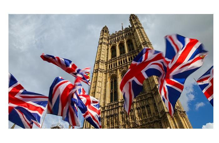 Великобритания возобновляет международное авиасообщение