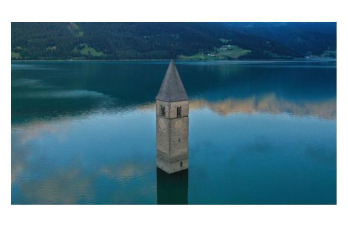 Обнаружена итальянская деревня, затопленная 70 лет назад - BBC
