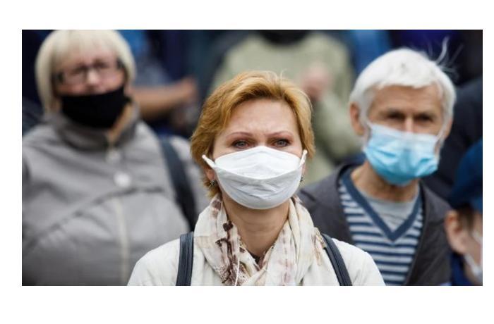 Власти Польши разрешили не носить маски на улице с 15 мая