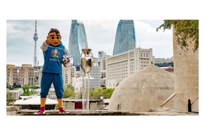 Кубок Евро-2020 будет представлен местным жителям сегодня на центральных улицах Баку