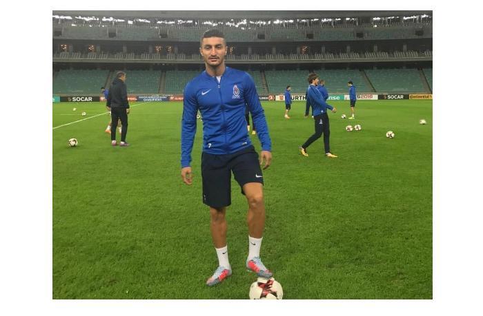 В какой клуб перешел азербайджанский футболист?