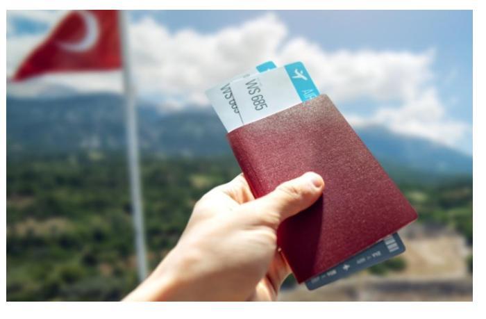 В России люди массово меняют путевки с курортов внутри страны на Турцию