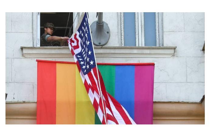 В Госдепе США поднимут флаг ЛГБТ