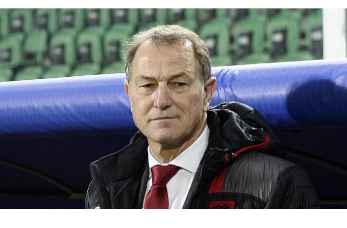 На тренера сборной Азербайджана по футболу Джанни Де Бьязи «положили глаз»