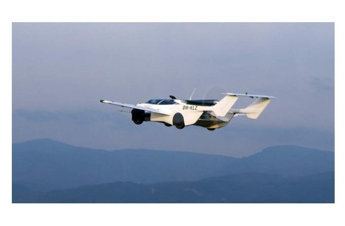 Летающий автомобиль инженера из Словакии совершил первый полет