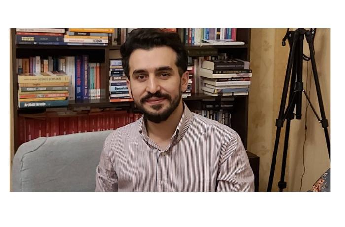 """""""Kitaba pul xərcləyən gənclərdir"""" – Müsahibə"""