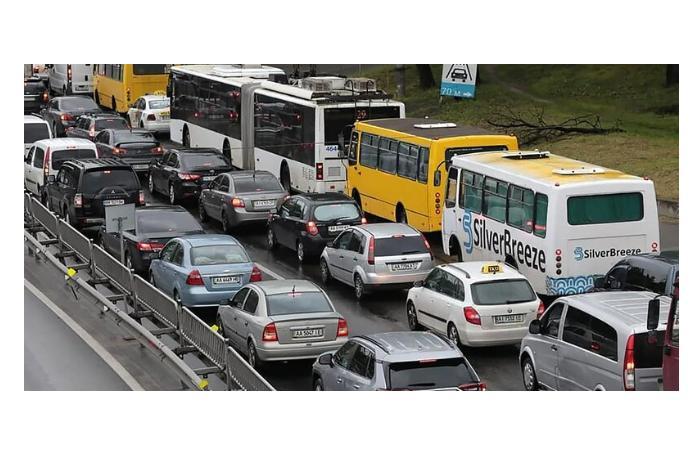 Украина предлагает запретить с 2030 года ввоз в страну бензиновых автомобилей