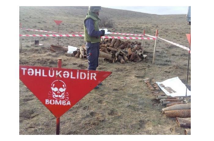 """Венгерский репортер рассказал о заминированных армянами """"сувенирах"""" и о восстановлении в Карабахе"""